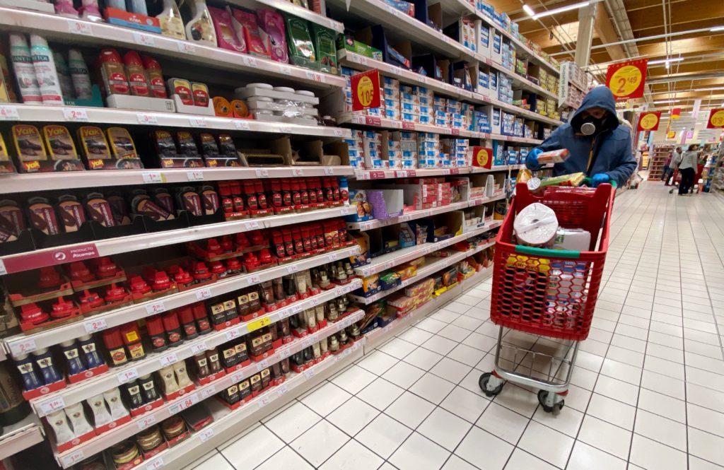 ¿Sabías que los carritos del supermercado estan más sucios que un baño público?